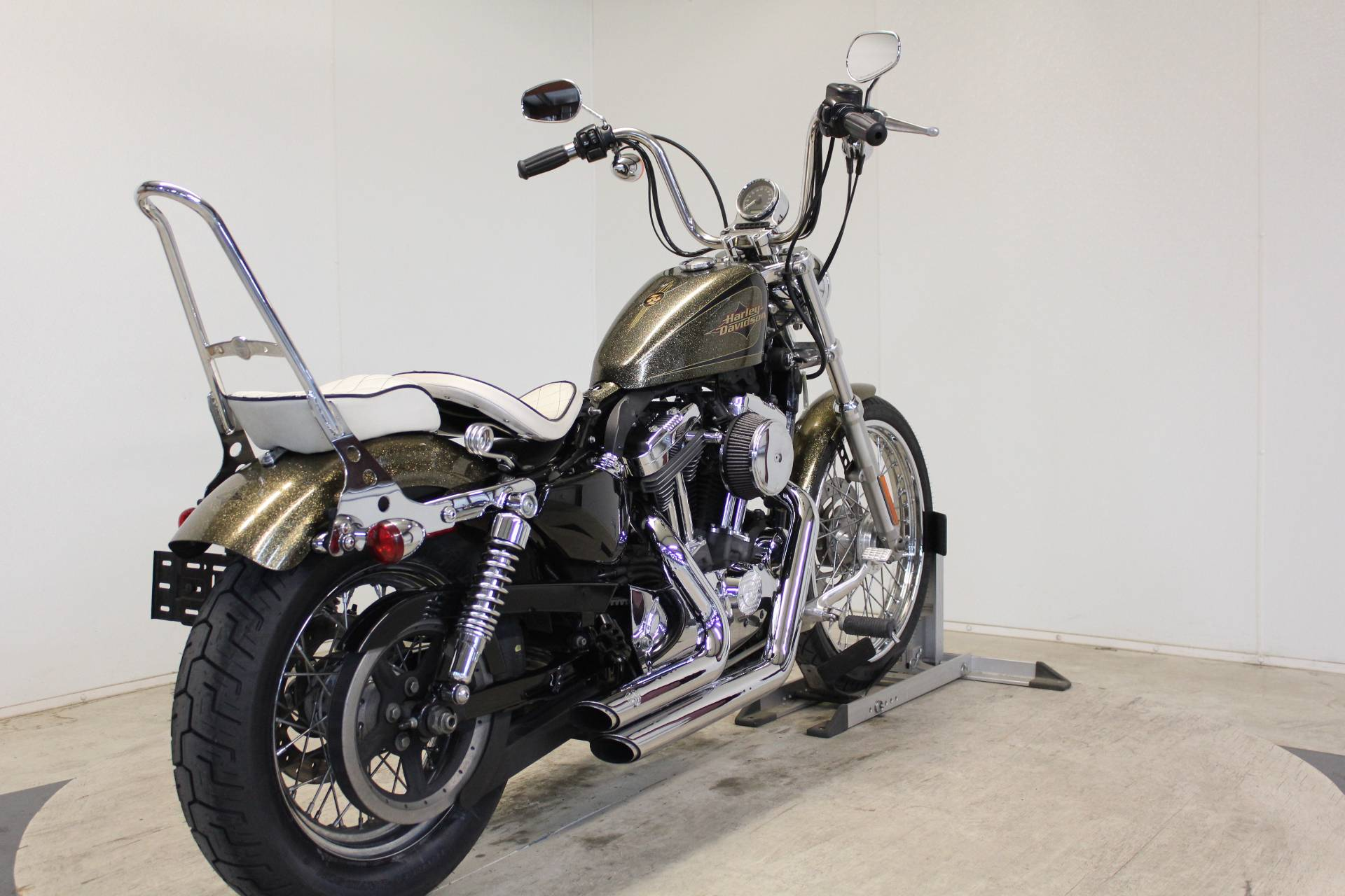 2013 Harley-Davidson Sportster® Seventy-Two® in Pittsfield, Massachusetts - Photo 8