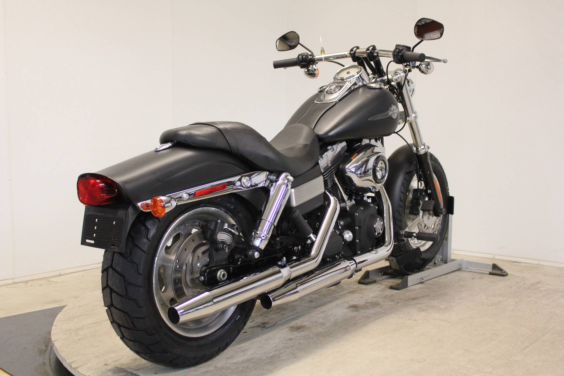 2011 Harley-Davidson Dyna® Fat Bob® in Pittsfield, Massachusetts - Photo 8