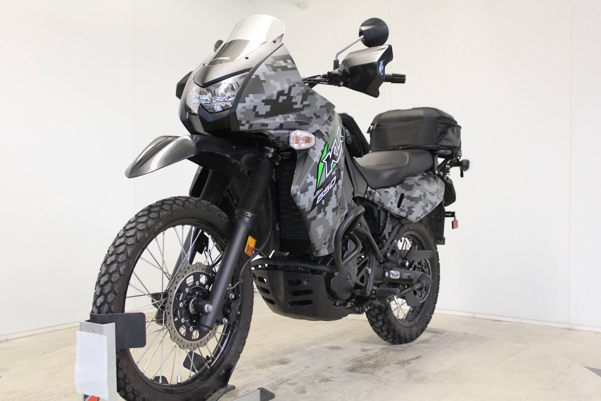 2018 Kawasaki KLR 650 Camo in Pittsfield, Massachusetts - Photo 4