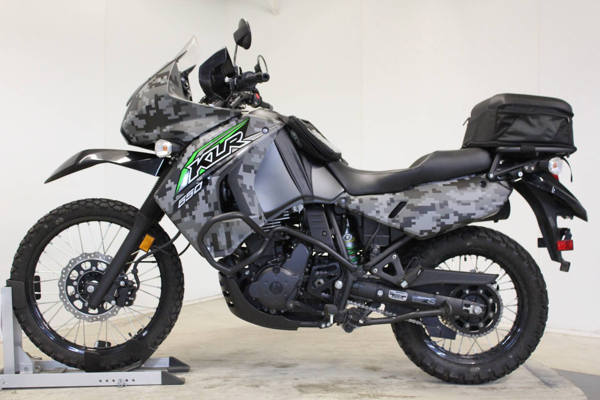 2018 Kawasaki KLR 650 Camo in Pittsfield, Massachusetts - Photo 5