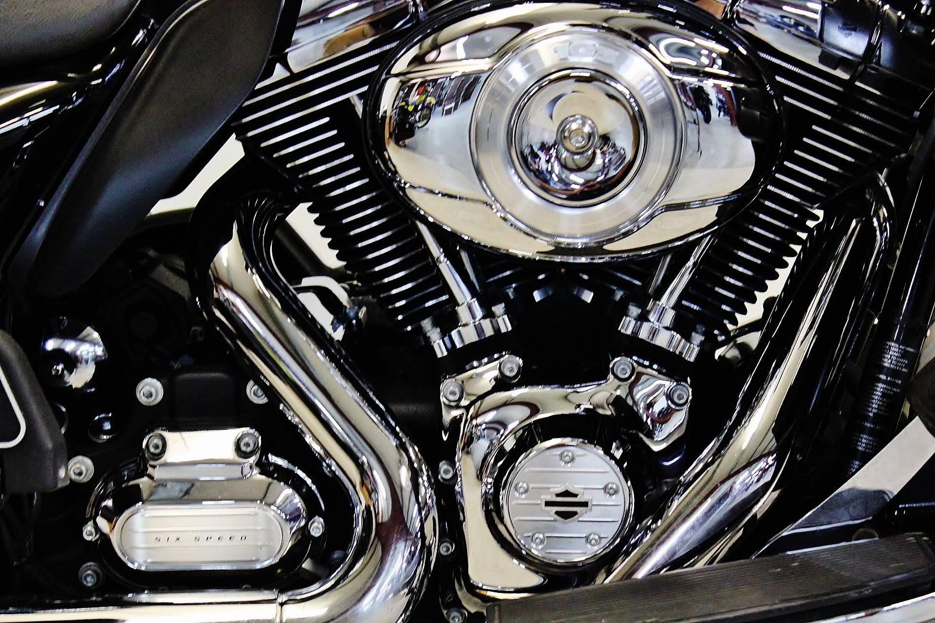 2013 Harley-Davidson Road Glide® Ultra in Pittsfield, Massachusetts