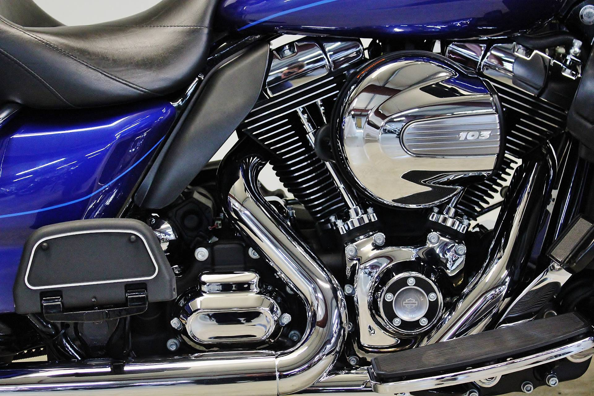 2015 Harley-Davidson Ultra Limited in Pittsfield, Massachusetts