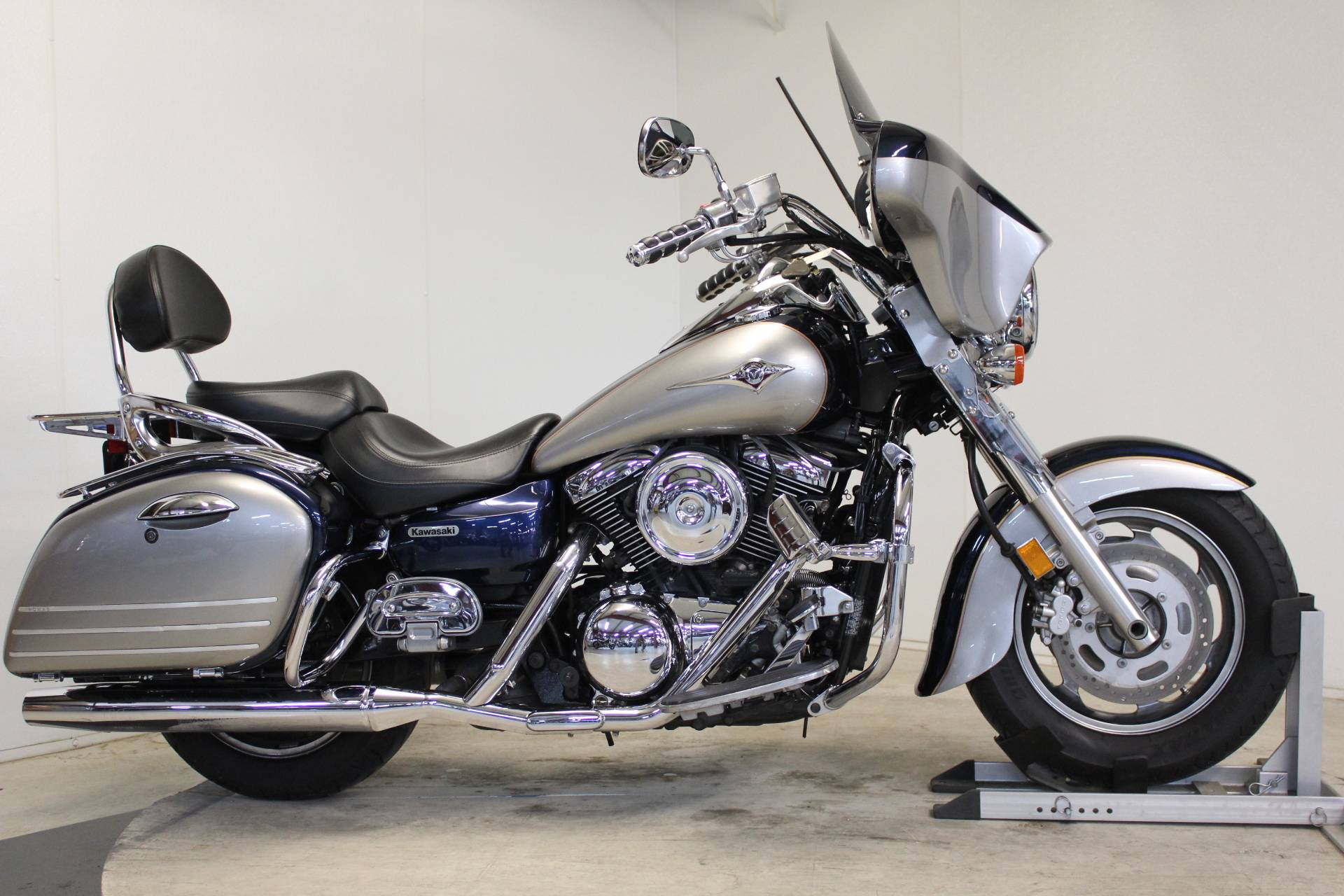 2005 Kawasaki Vulcan 1600 Nomad in Pittsfield, Massachusetts - Photo 1