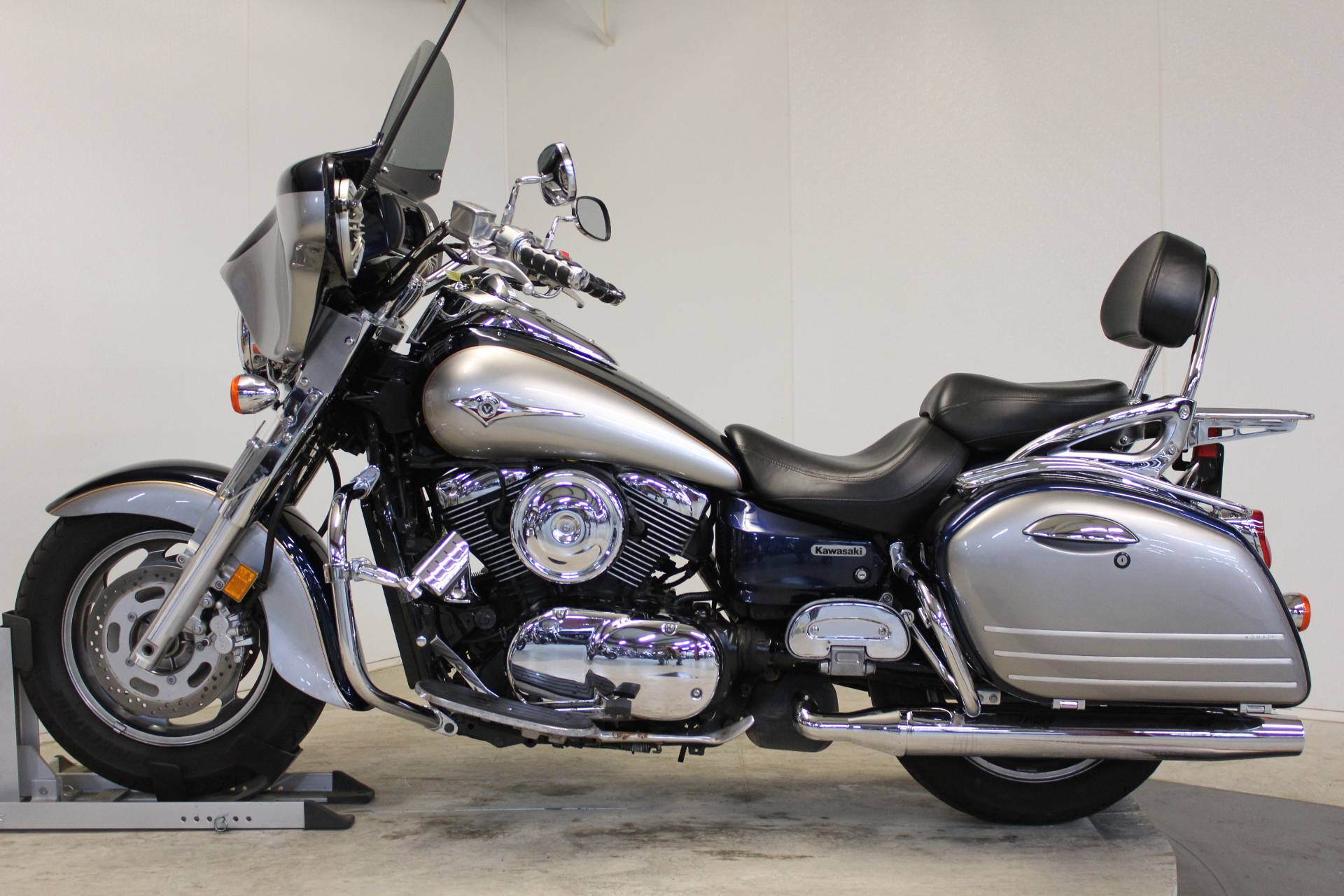 2005 Kawasaki Vulcan 1600 Nomad in Pittsfield, Massachusetts - Photo 5