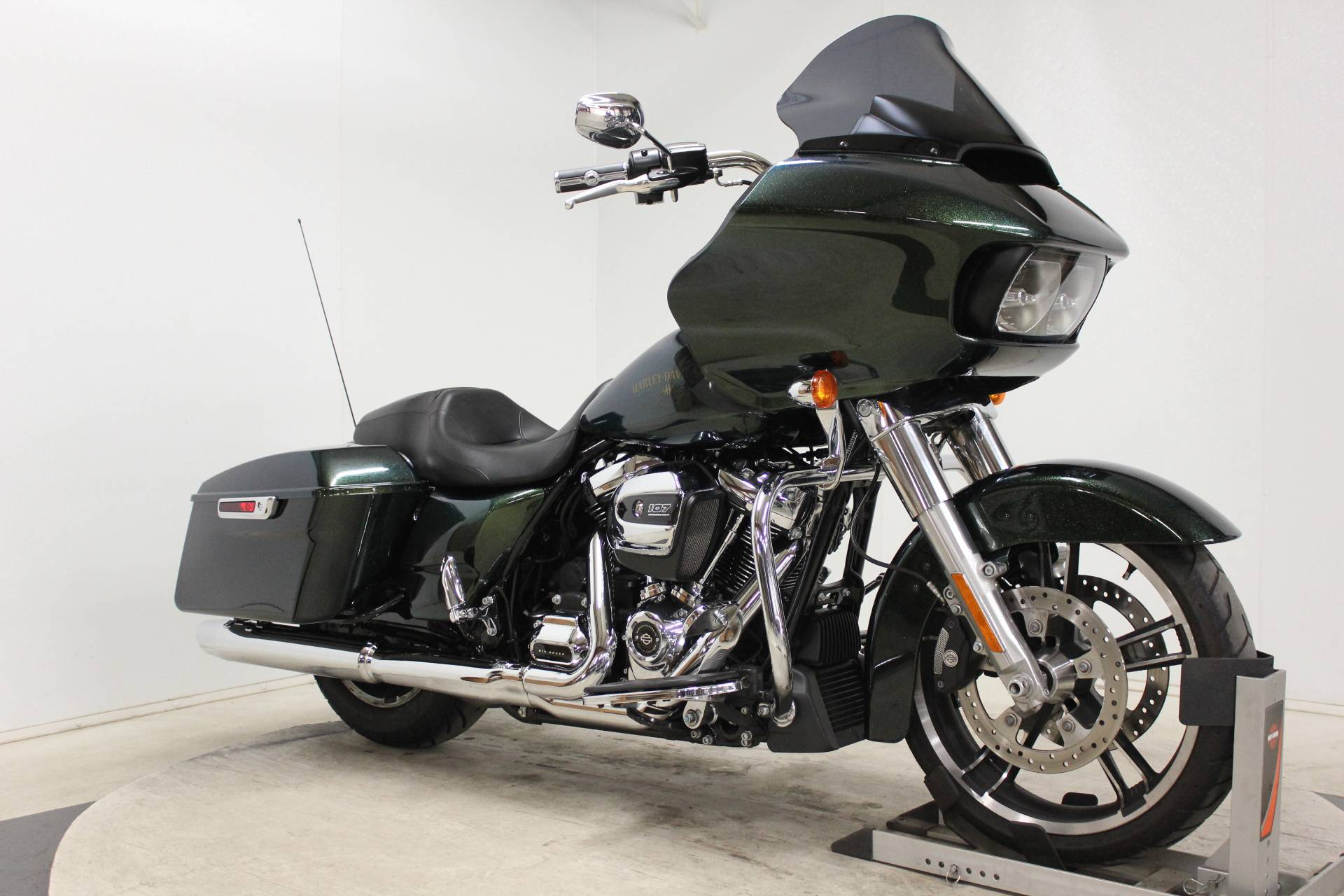 2018 Harley-Davidson Road Glide® in Pittsfield, Massachusetts - Photo 2