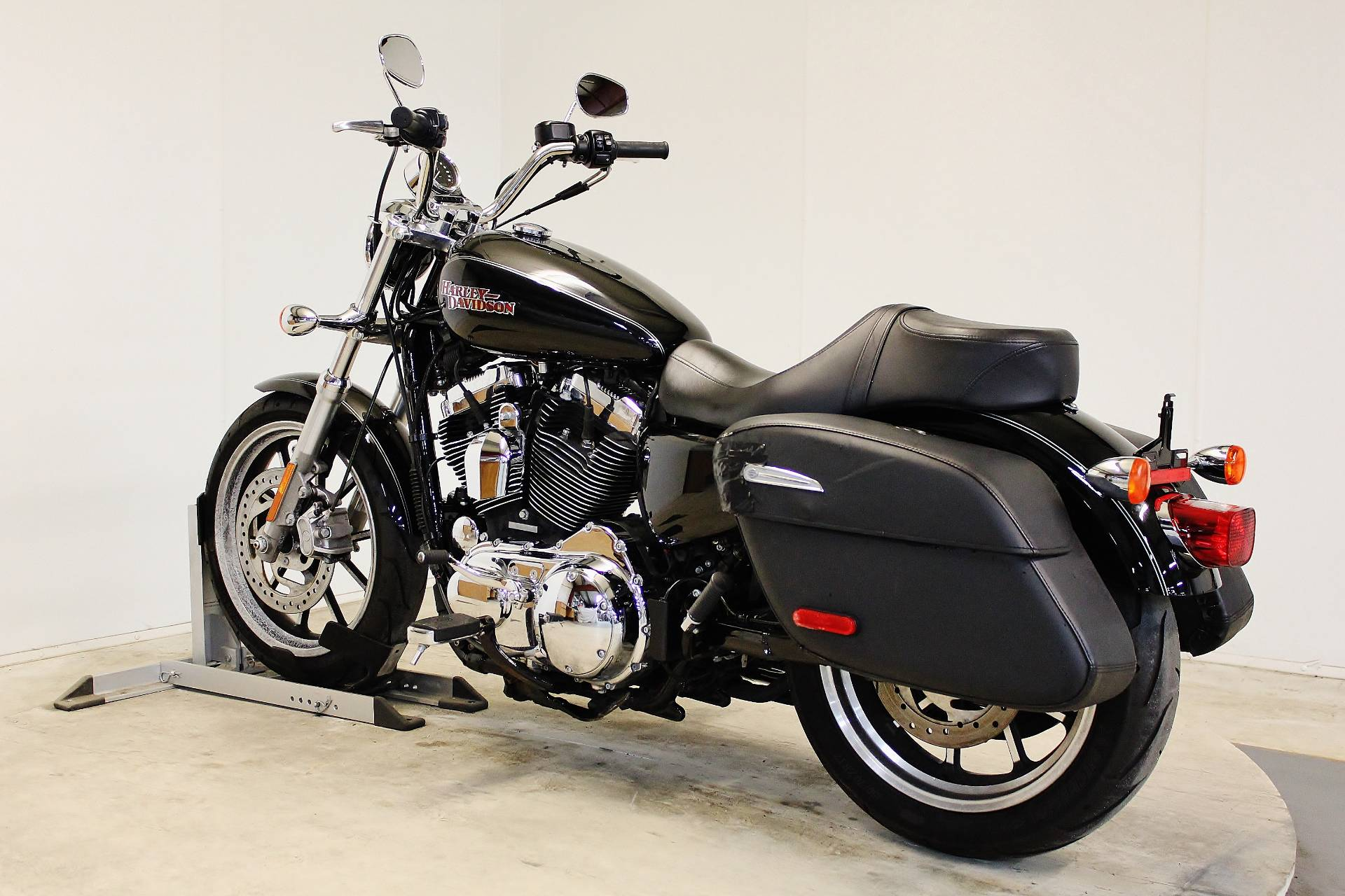 2014 Harley-Davidson SuperLow® 1200T in Pittsfield, Massachusetts - Photo 6