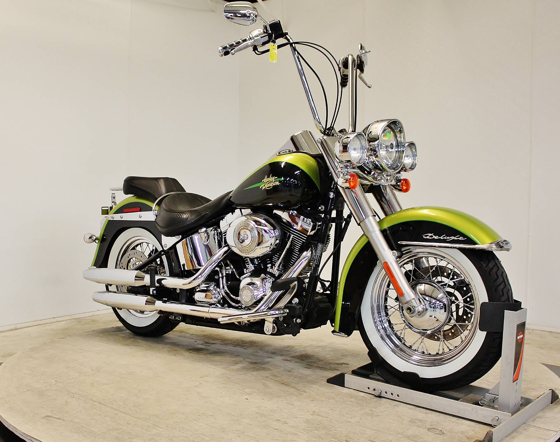 2011 Harley-Davidson Softail® Deluxe in Pittsfield, Massachusetts
