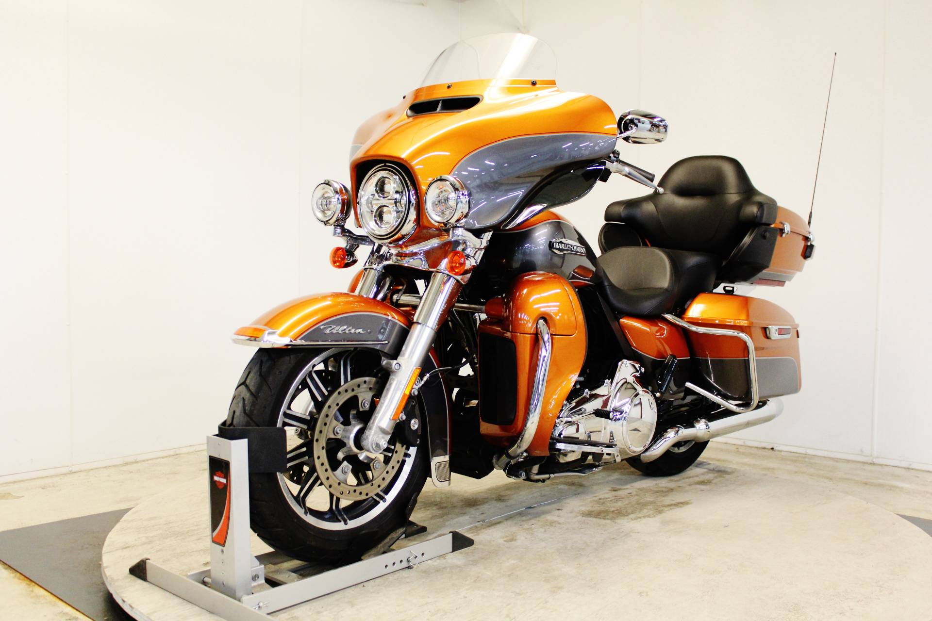 2016 Harley-Davidson Electra Glide® Ultra Classic® Low in Pittsfield, Massachusetts