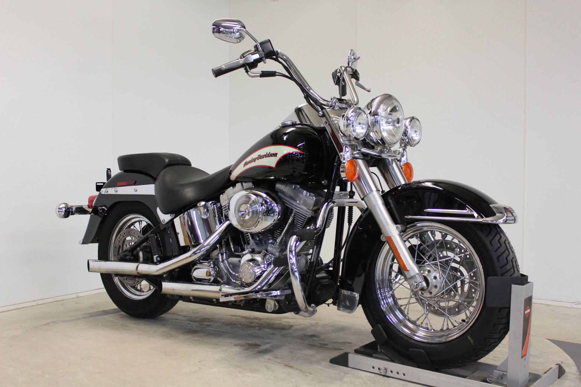 2006 Harley-Davidson Heritage Softail® in Pittsfield, Massachusetts - Photo 2
