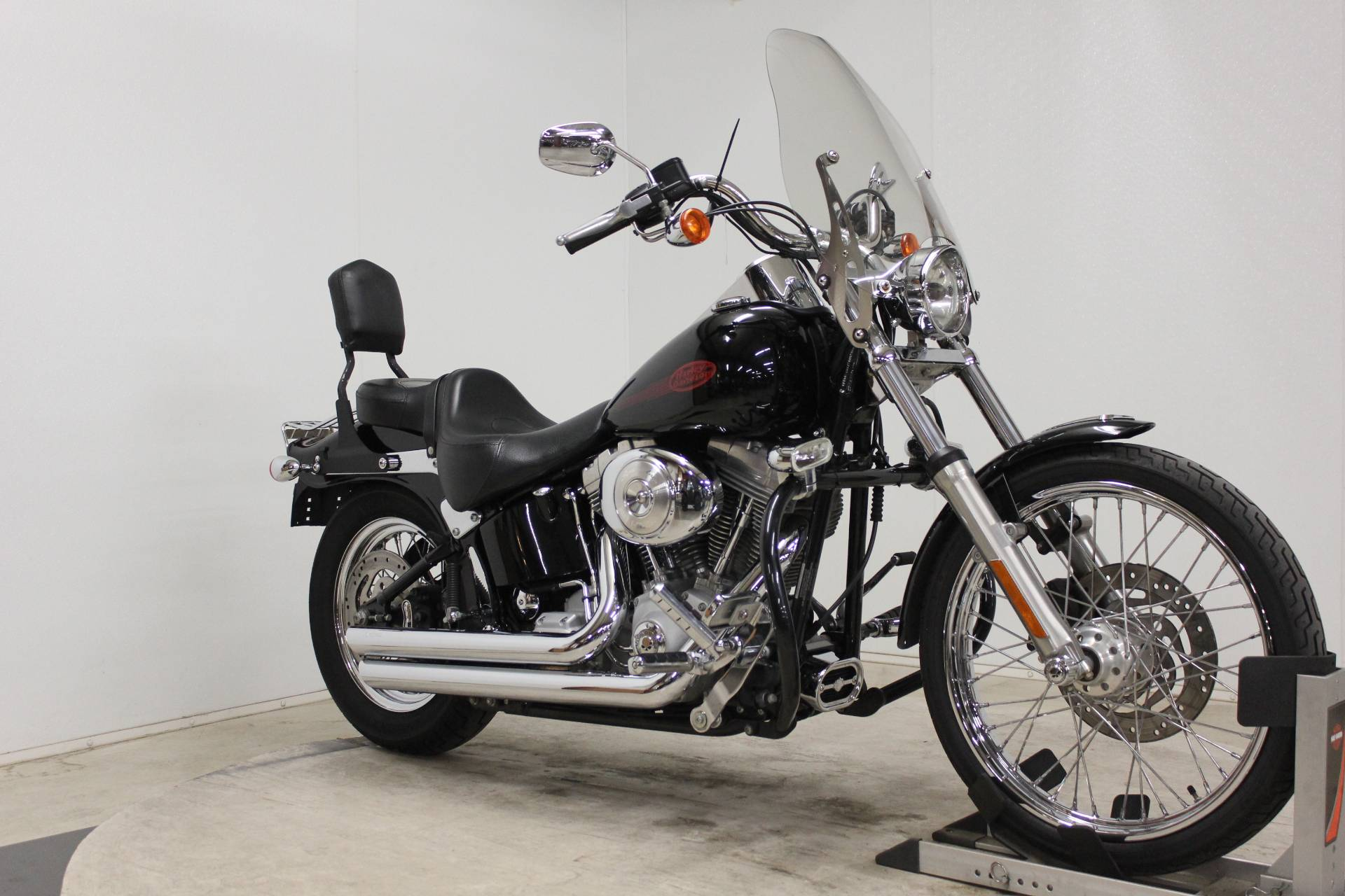 2005 Harley-Davidson FXST/FXSTI Softail® Standard in Pittsfield, Massachusetts - Photo 2