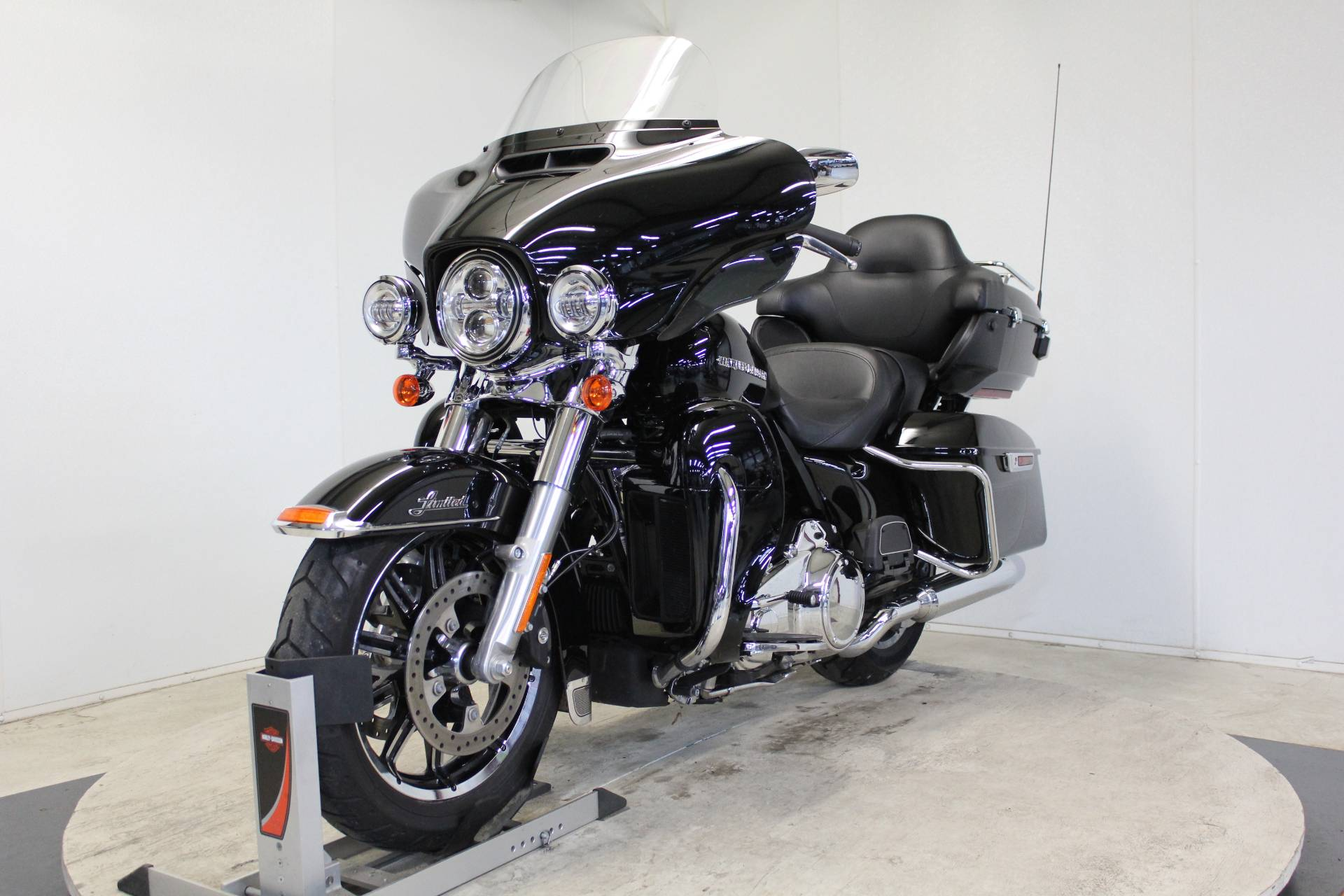 2018 Harley-Davidson Ultra Limited in Pittsfield, Massachusetts - Photo 4