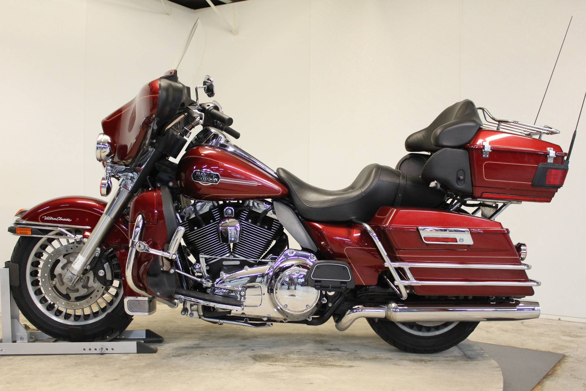 2009 Harley-Davidson Ultra Classic® Electra Glide® in Pittsfield, Massachusetts - Photo 5