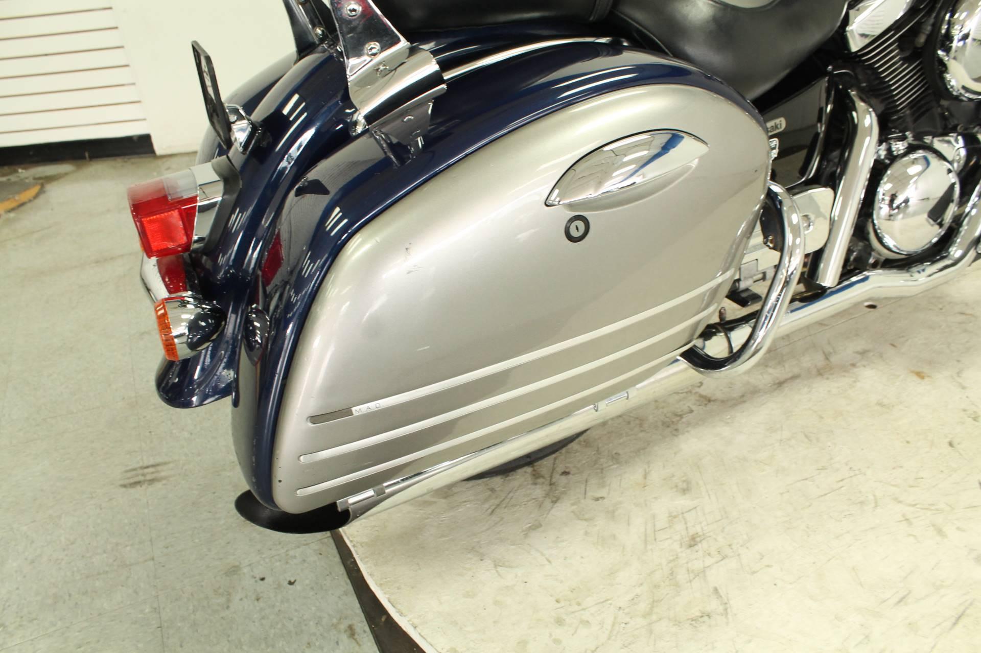 2004 Kawasaki Vulcan 1500 Nomad Fi 12