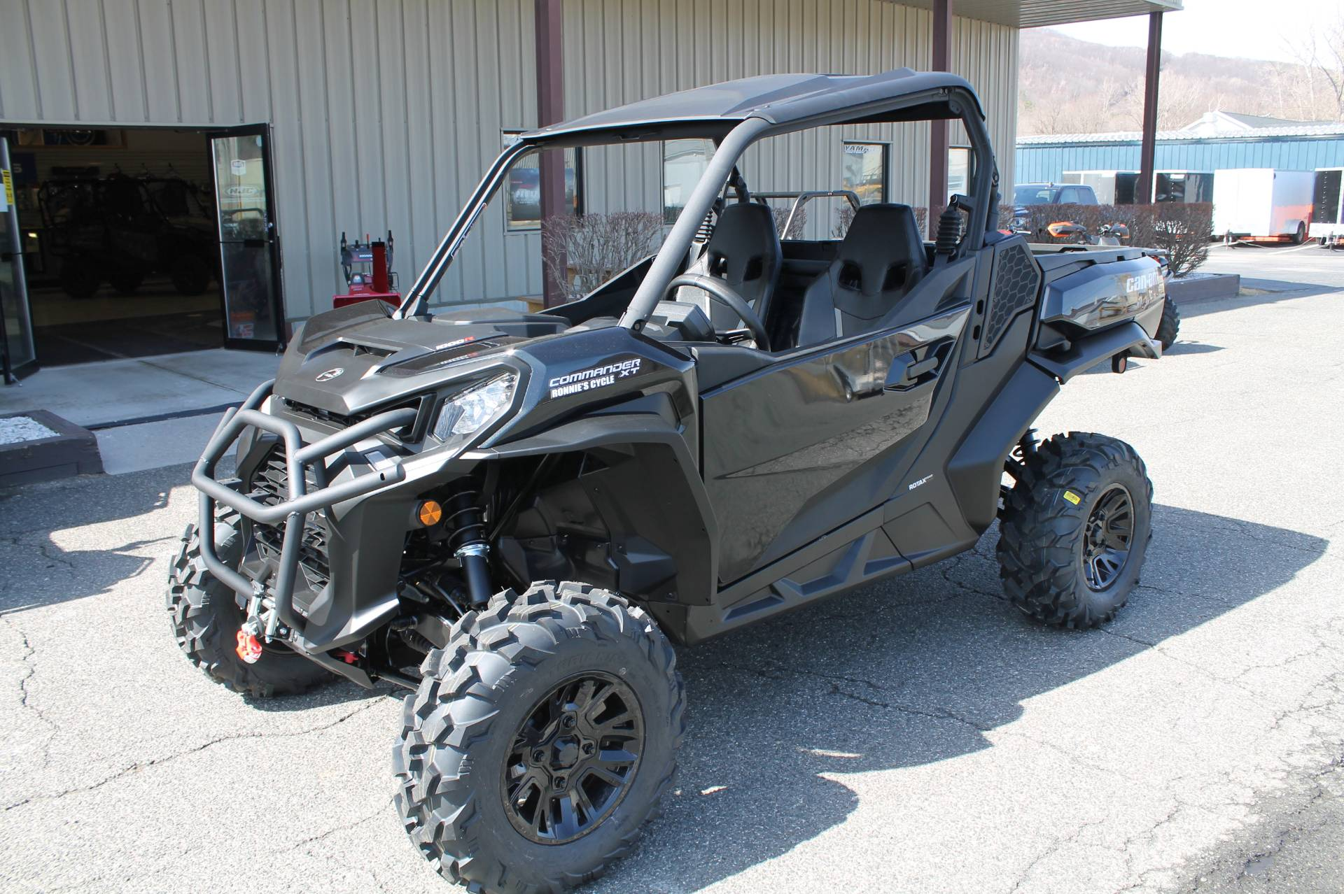 2021 Can-Am Commander XT 1000R in Adams, Massachusetts - Photo 1