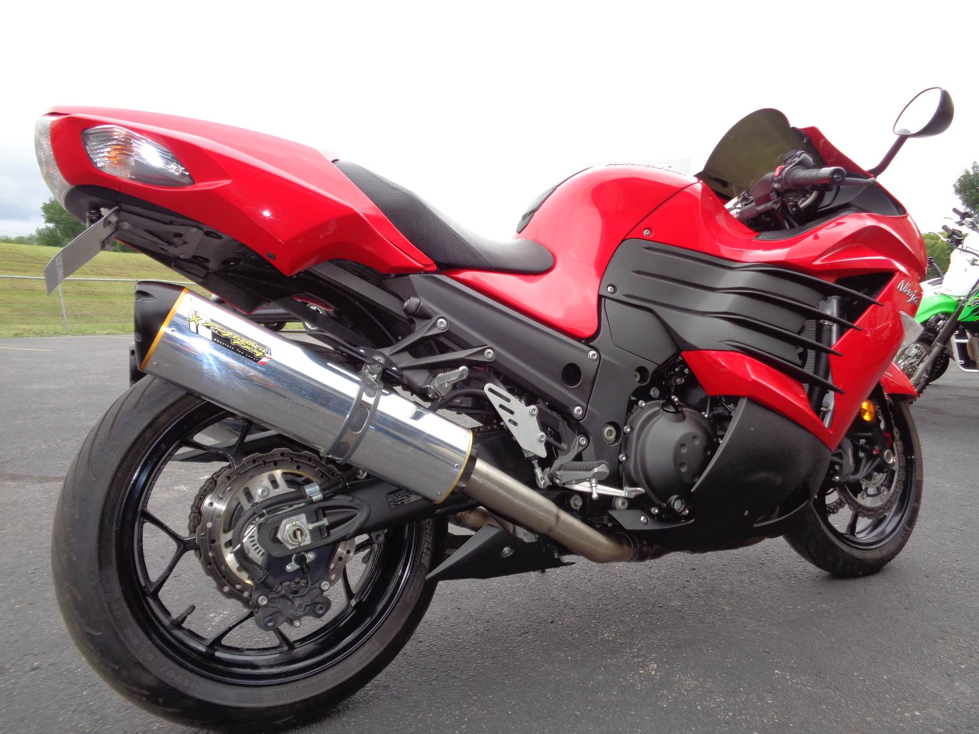 2013 Kawasaki Ninja® ZX™-14R ABS in North Mankato, Minnesota