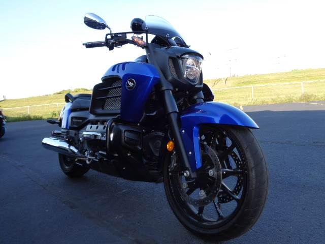 2014 Honda Gold Wing® Valkyrie® in North Mankato, Minnesota