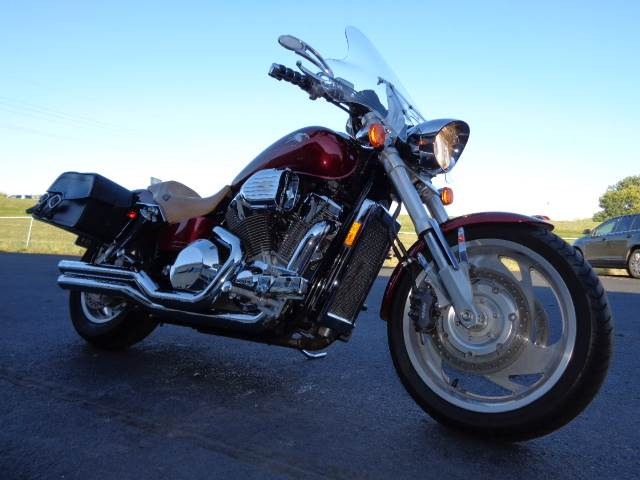 2002 Honda VTX1800 in North Mankato, Minnesota