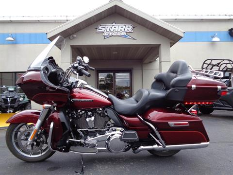 2017 Harley-Davidson Road Glide® Ultra in North Mankato, Minnesota