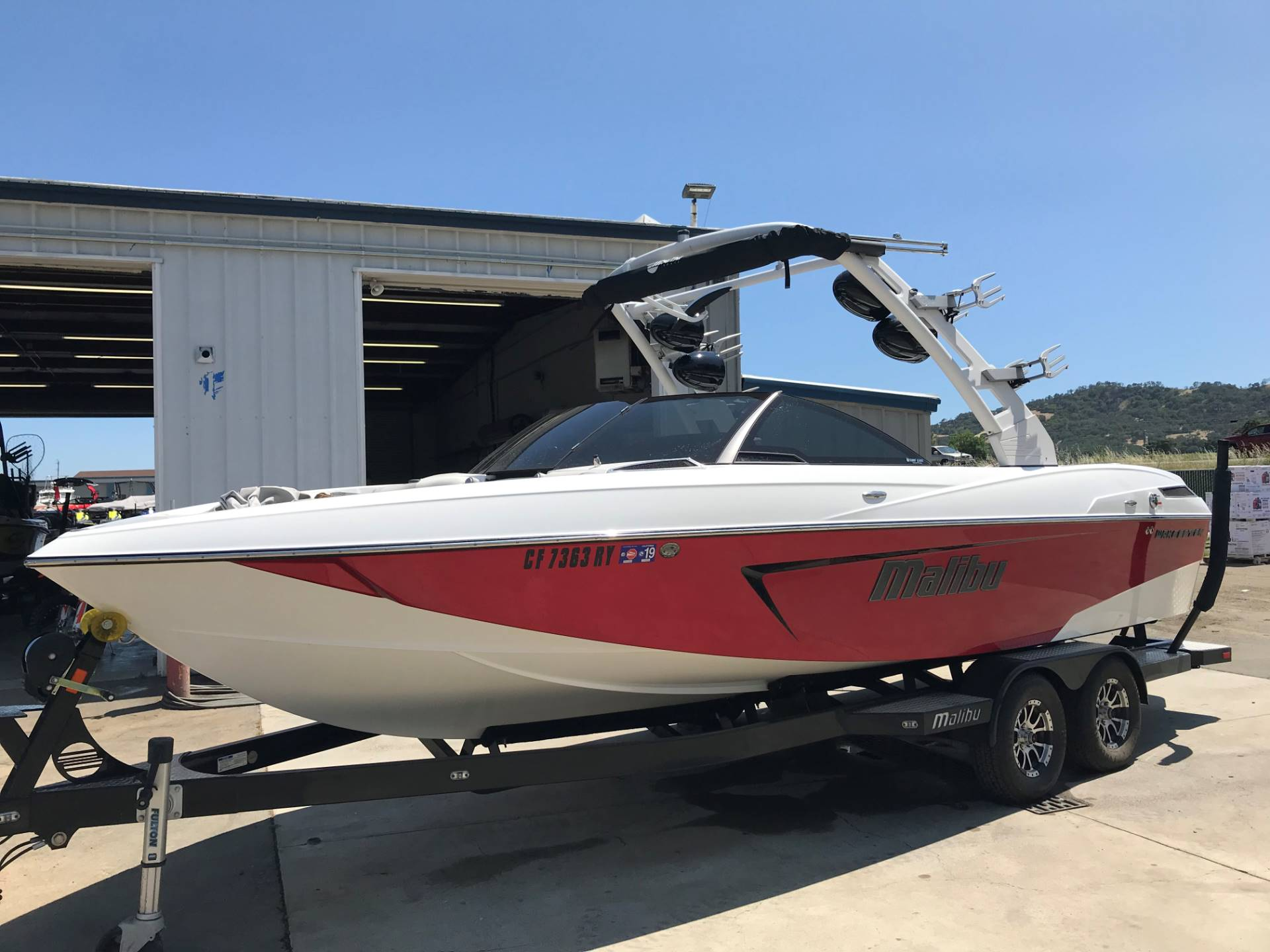 2017 Malibu 23LSV in Lakeport, California - Photo 2