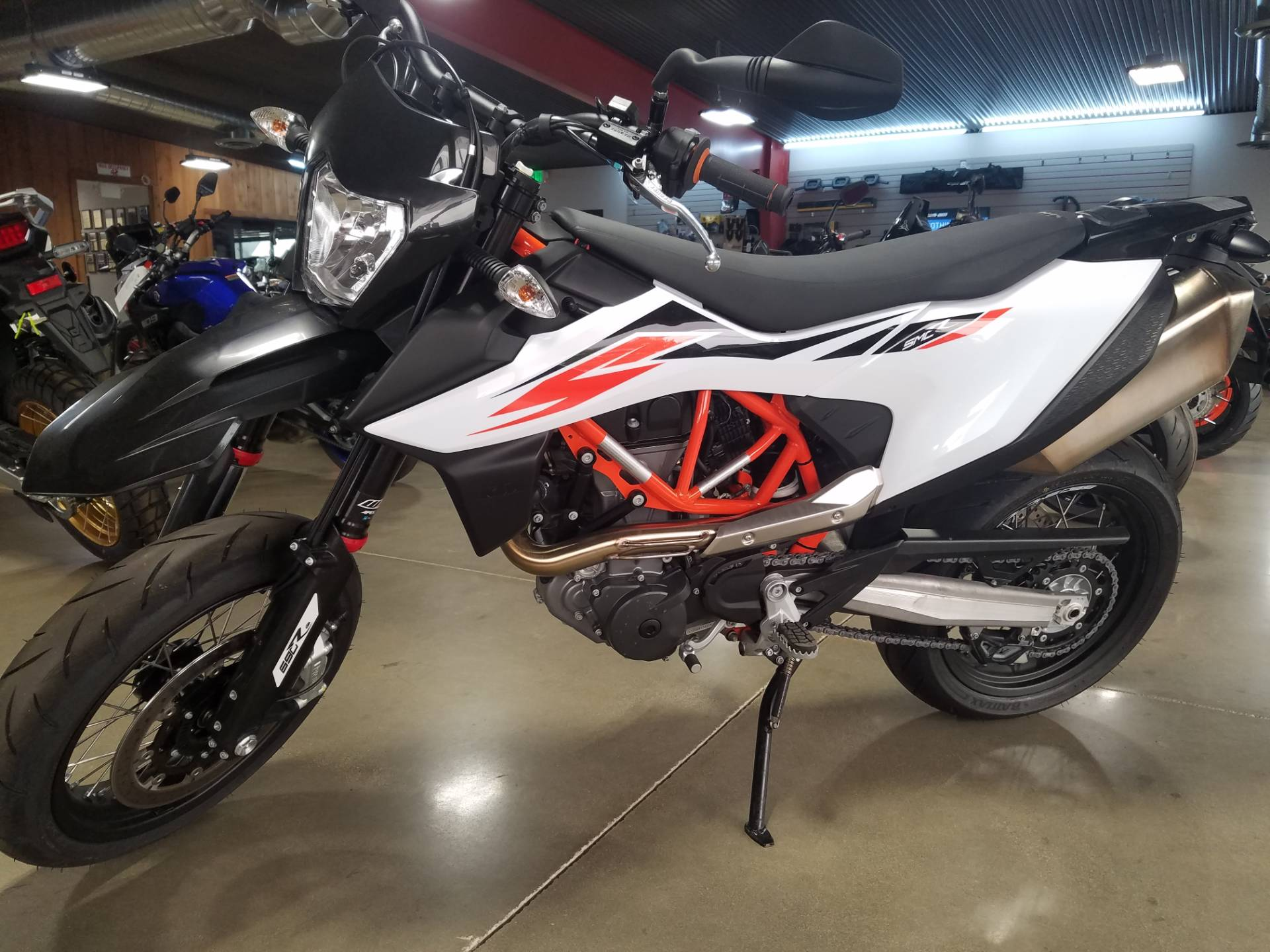 2020 KTM 690 SMC R in Lakeport, California - Photo 2