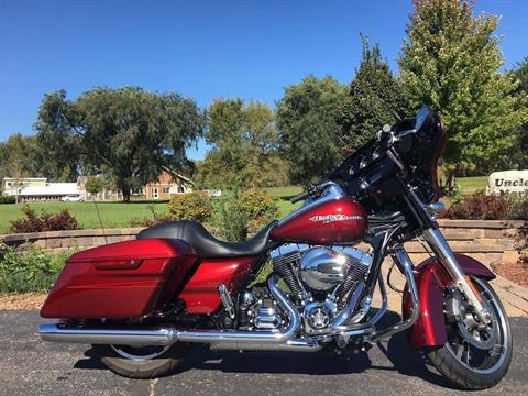 2016 Harley-Davidson Street Glide Special in Mankato, Minnesota