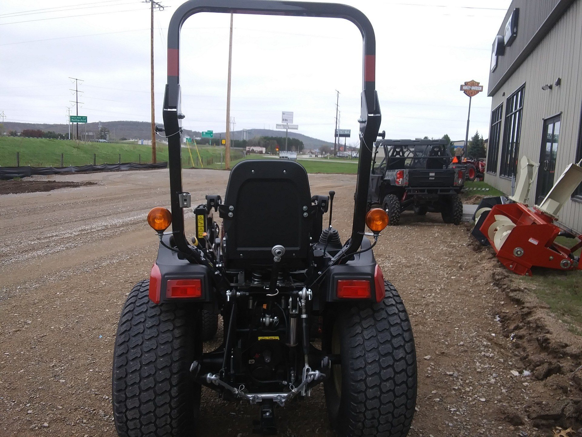 2019 Yanmar SA424 SA Series Compact Diesel Tractor in Rothschild, Wisconsin - Photo 2