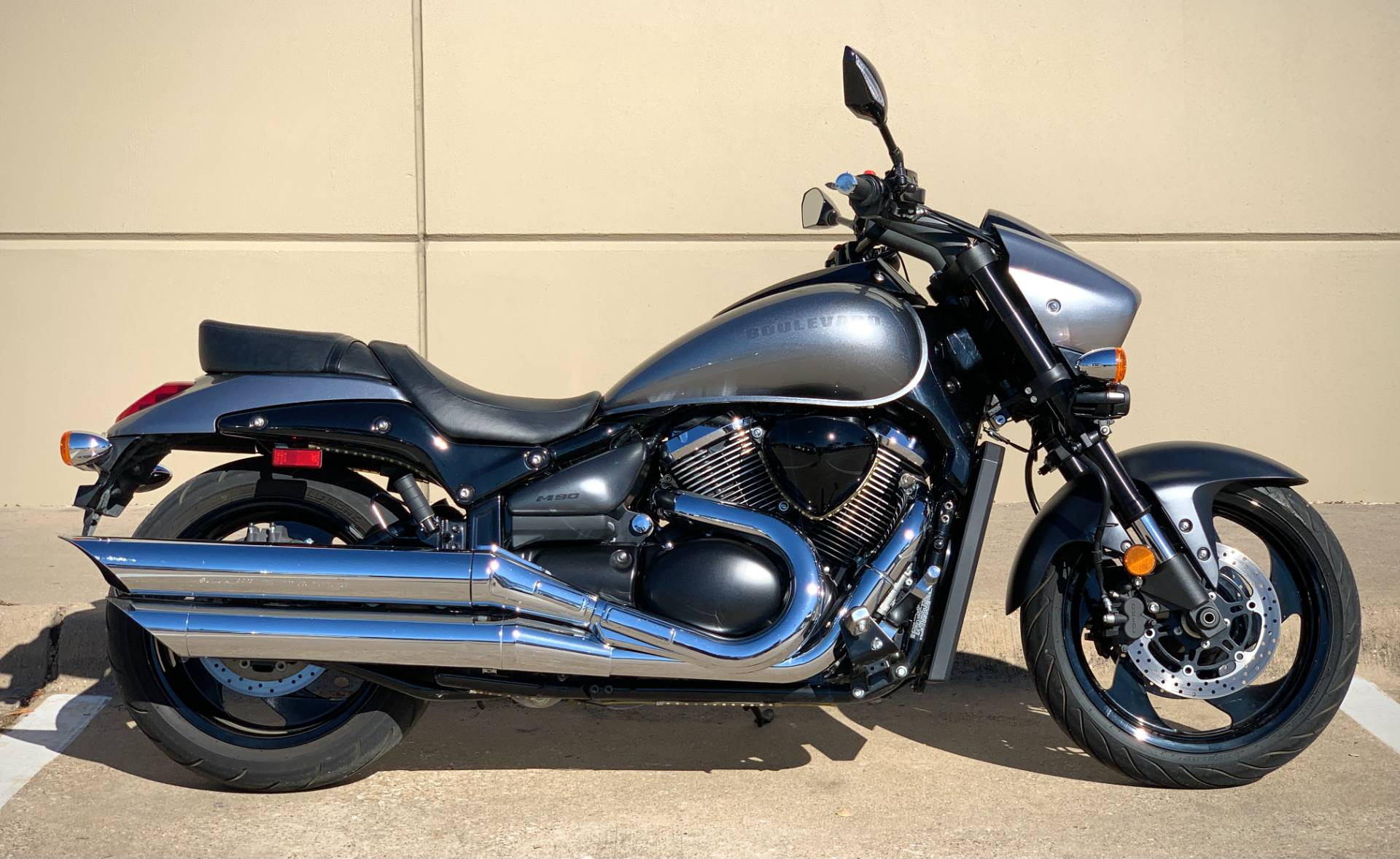 2018 Suzuki Boulevard M90 in Plano, Texas - Photo 3