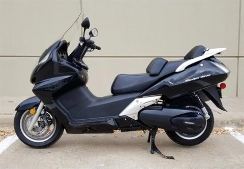 2011 Honda Silver Wing® in Plano, Texas - Photo 2