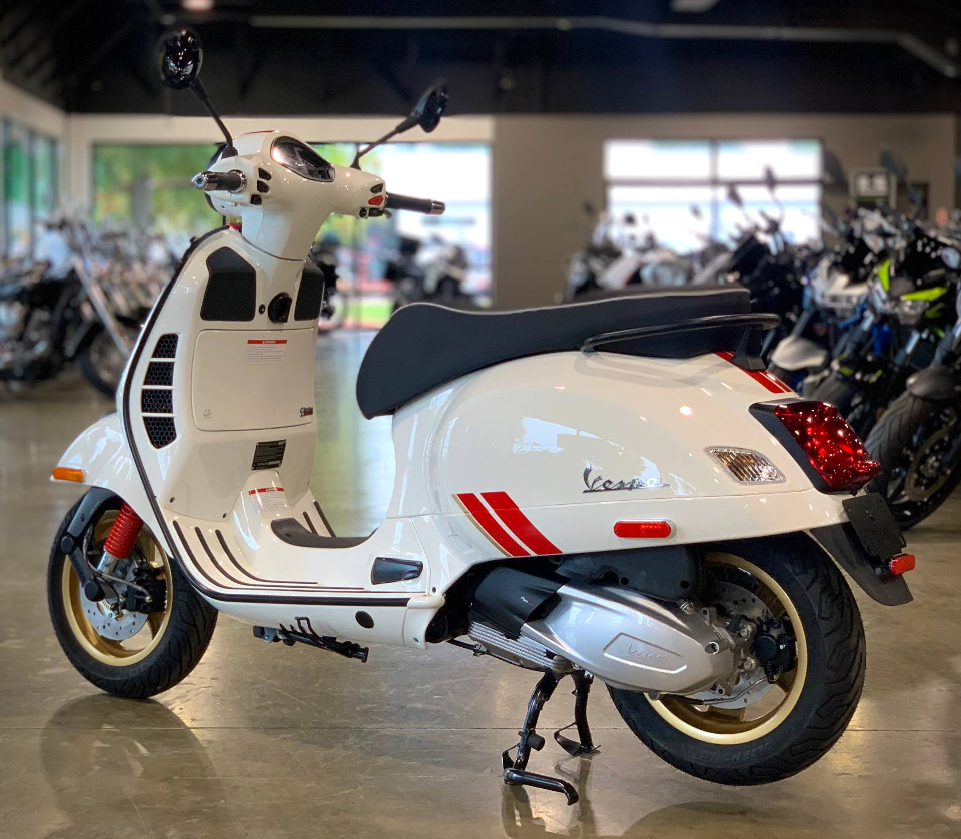 2021 Vespa GTS Super Racing Sixties 300 HPE in Plano, Texas - Photo 3