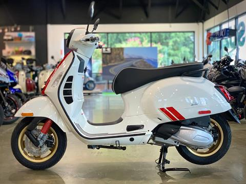 2021 Vespa GTS Super Racing Sixties 300 HPE in Plano, Texas - Photo 4