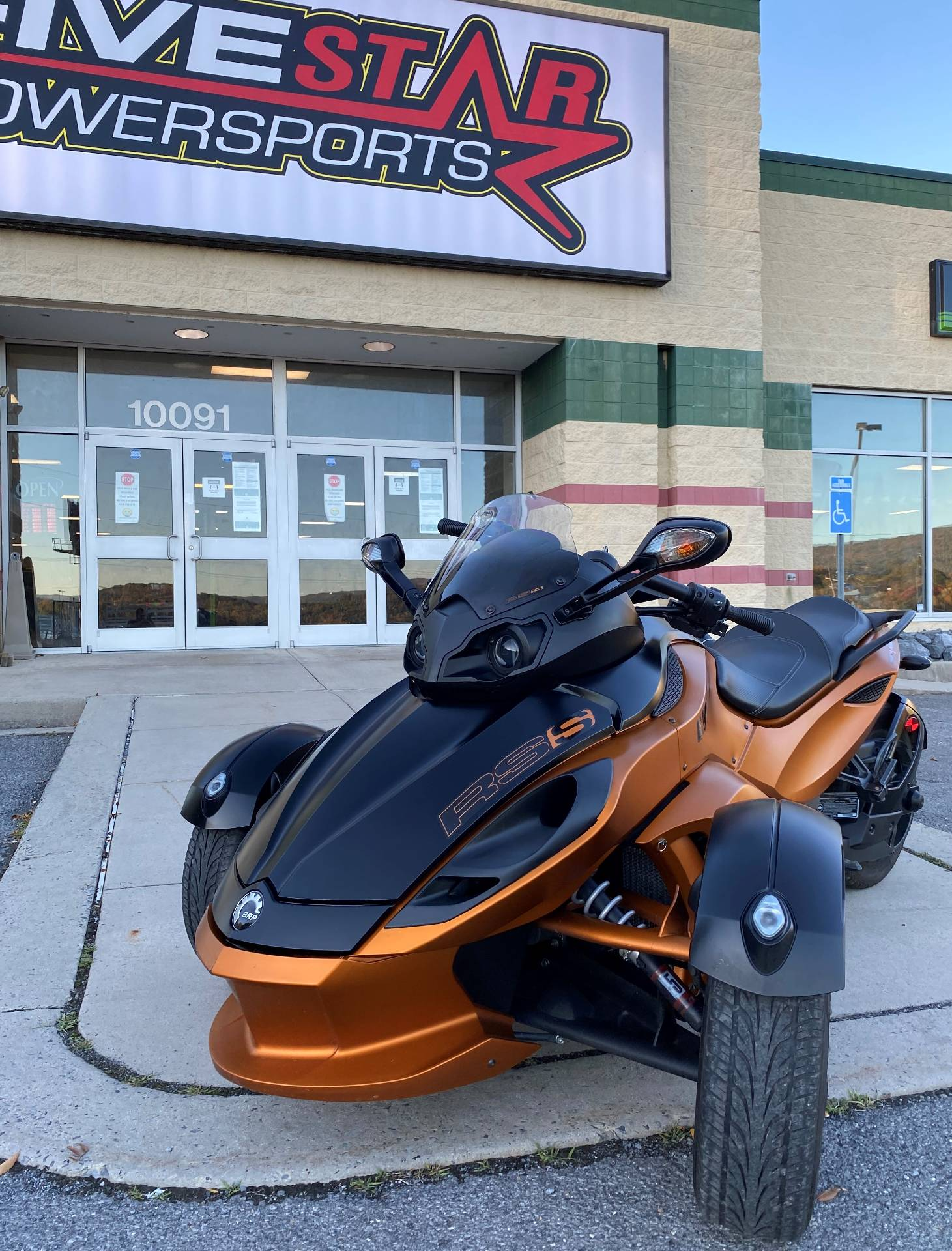 2011 Can-Am Spyder® RS-S SE5 in Everett, Pennsylvania - Photo 2