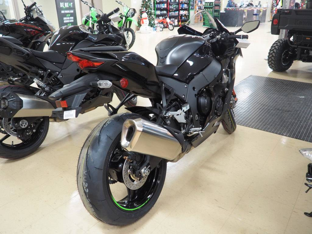 2021 Kawasaki Ninja ZX-10R ABS in Everett, Pennsylvania - Photo 4