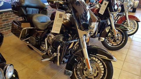 2013 Harley-Davidson Electra Glide® Ultra Limited 110th Anniversary Edition in Hico, West Virginia
