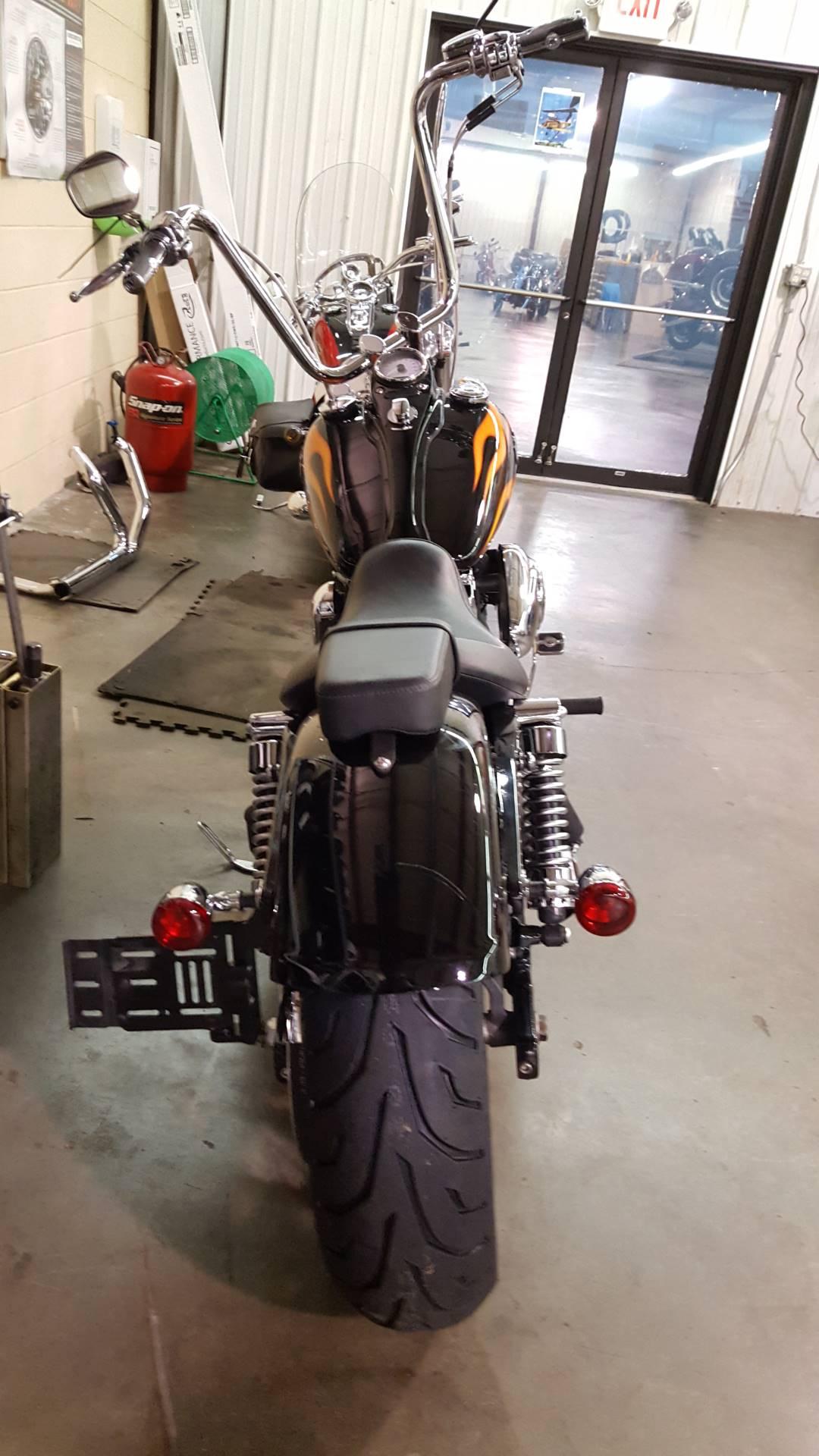 2011 Harley-Davidson Dyna® Wide Glide® in Hico, West Virginia
