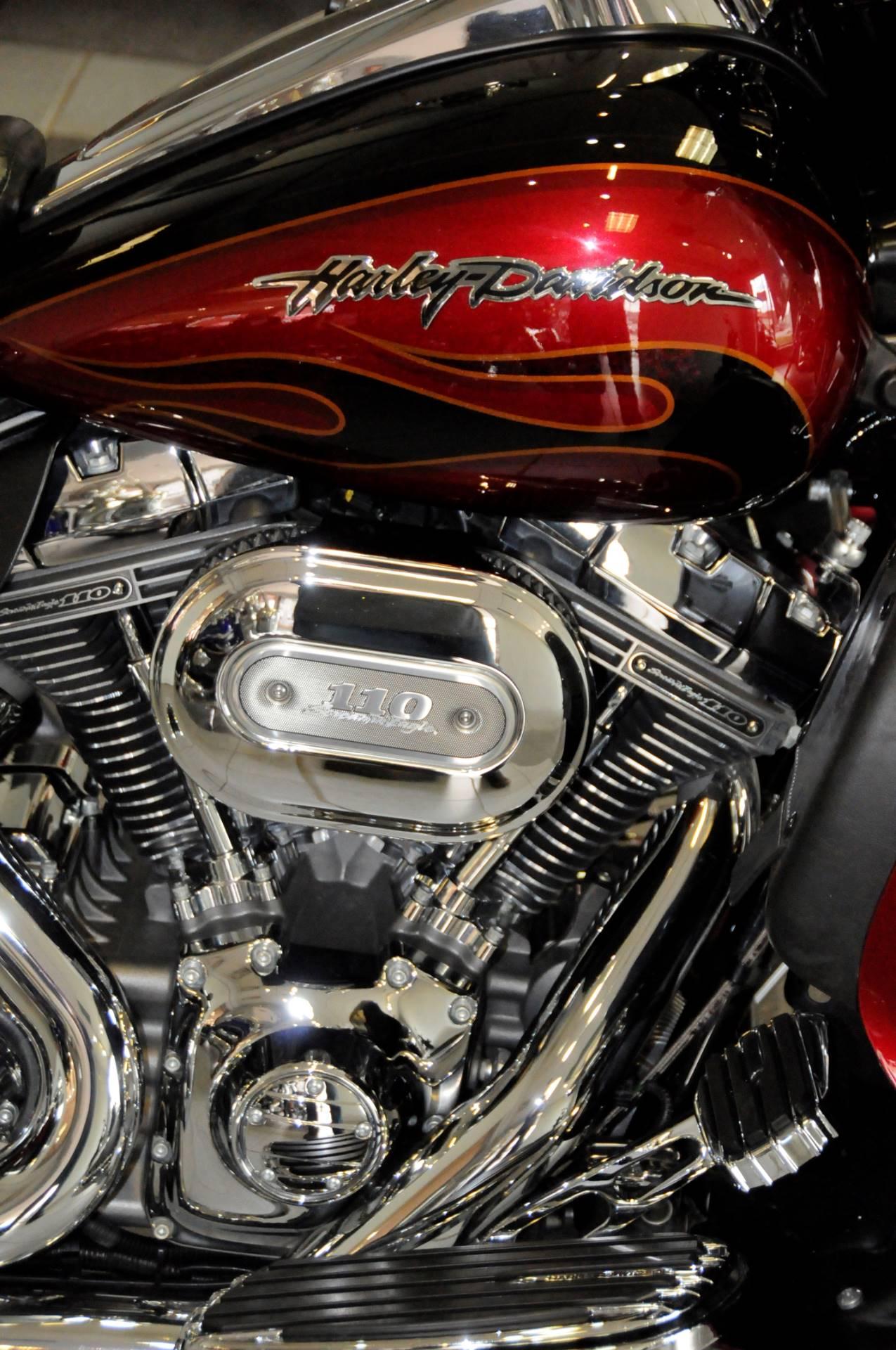 2011 Harley-Davidson CVO™ Ultra Classic® Electra Glide® in South Charleston, West Virginia