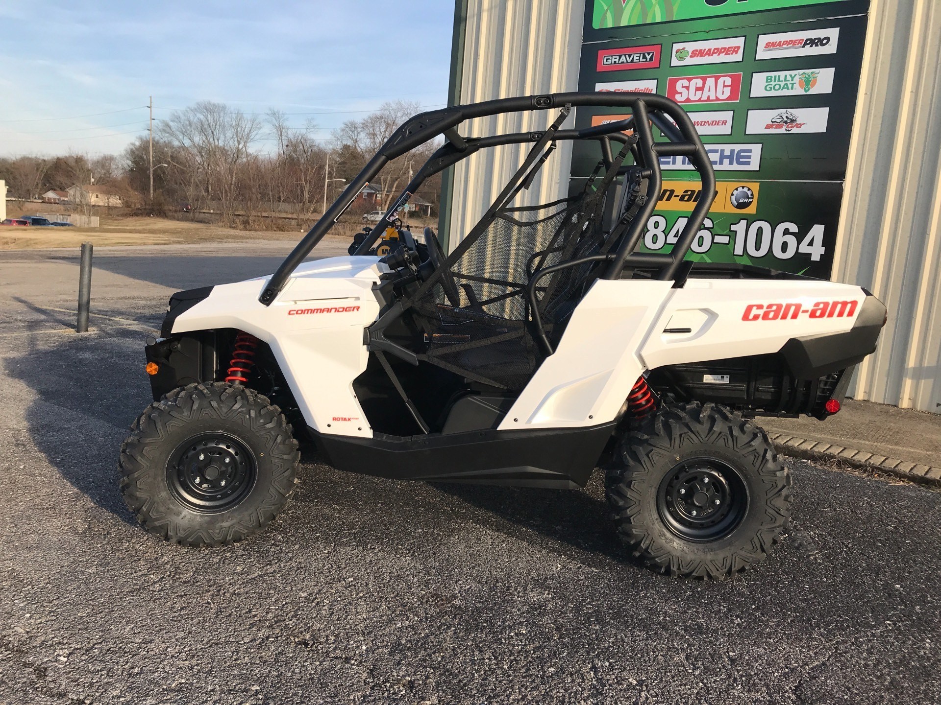 2018 Can-Am Commander 800R in Glasgow, Kentucky