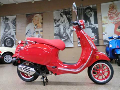2021 Vespa Primavera 150 iGet Red in Downers Grove, Illinois - Photo 6