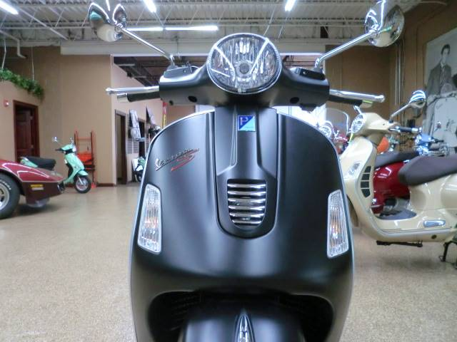 2014 Vespa GTS 300 i.e. Super Sport SE in Downers Grove, Illinois
