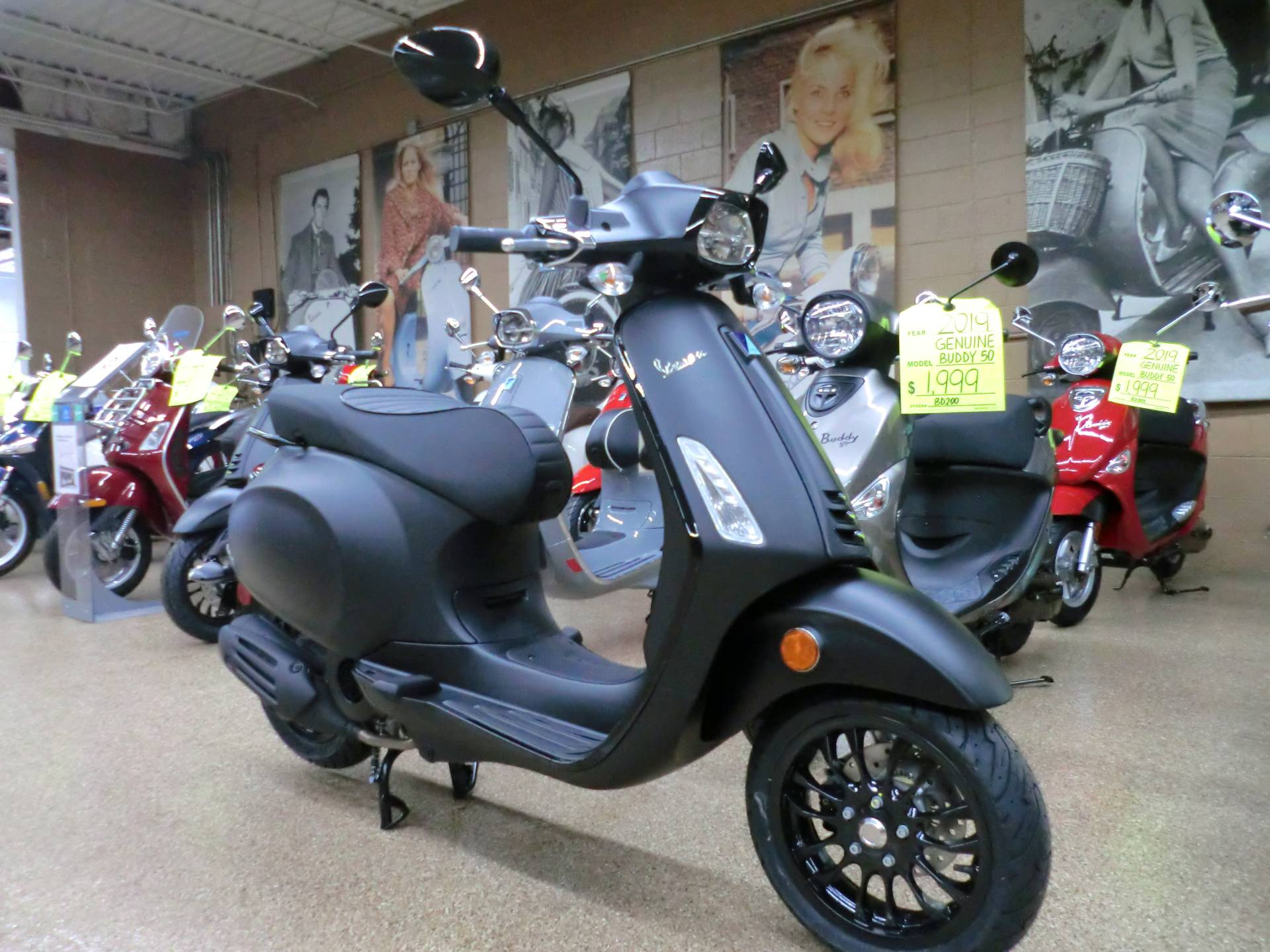 2020 Vespa Sprint Notte 150 in Downers Grove, Illinois - Photo 1