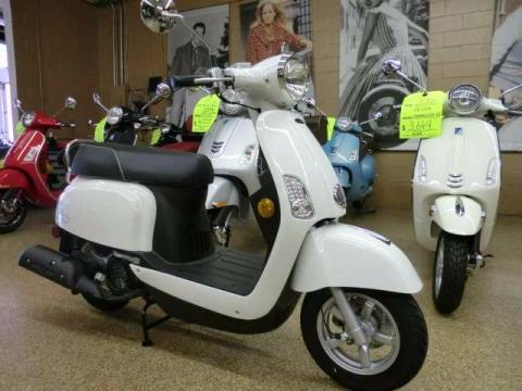 2017 Genuine Scooters Buddy Kick in Downers Grove, Illinois