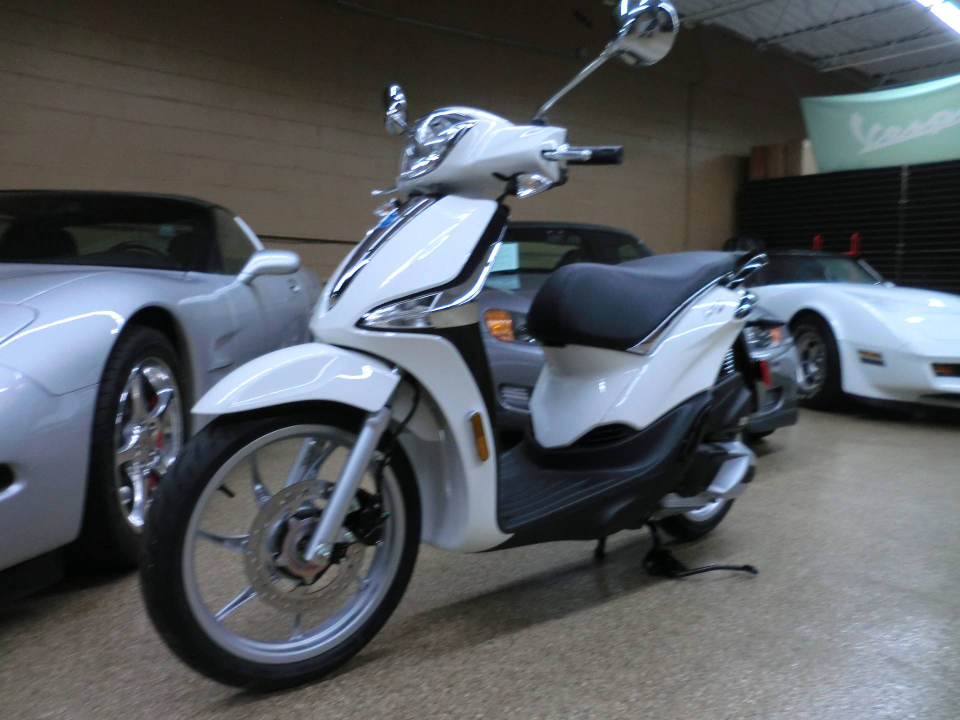 2021 Piaggio Liberty 150 in Downers Grove, Illinois - Photo 3