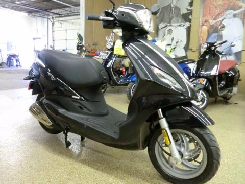 2014 Piaggio FLY 50 in Downers Grove, Illinois