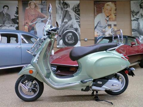 2018 Vespa Primavera 150 Touring in Downers Grove, Illinois