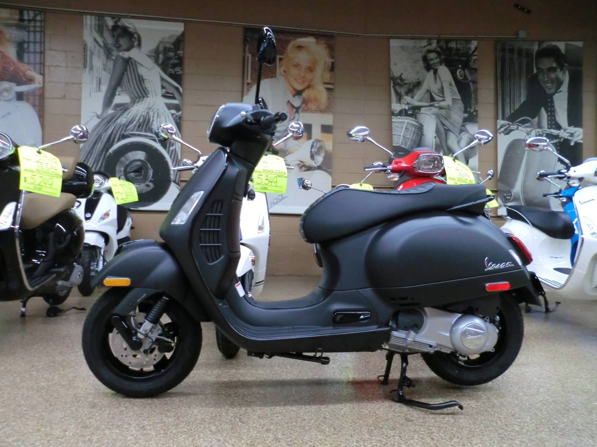 new 2019 vespa gts super 300 abs e4 notte scooters in. Black Bedroom Furniture Sets. Home Design Ideas