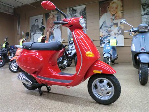 2001 Vespa ET4 in Downers Grove, Illinois