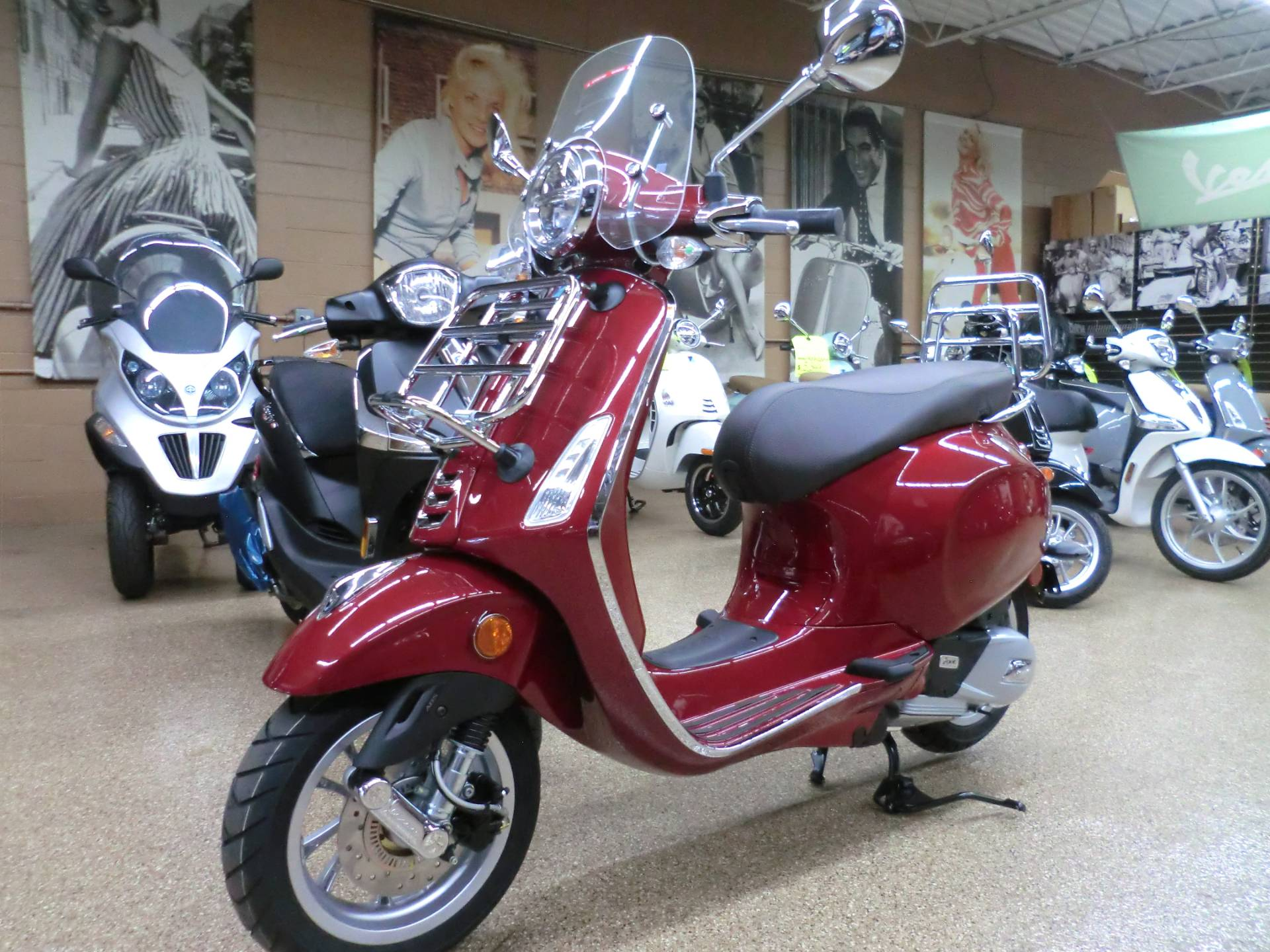 2020 Vespa Primavera 150 Touring in Downers Grove, Illinois - Photo 3