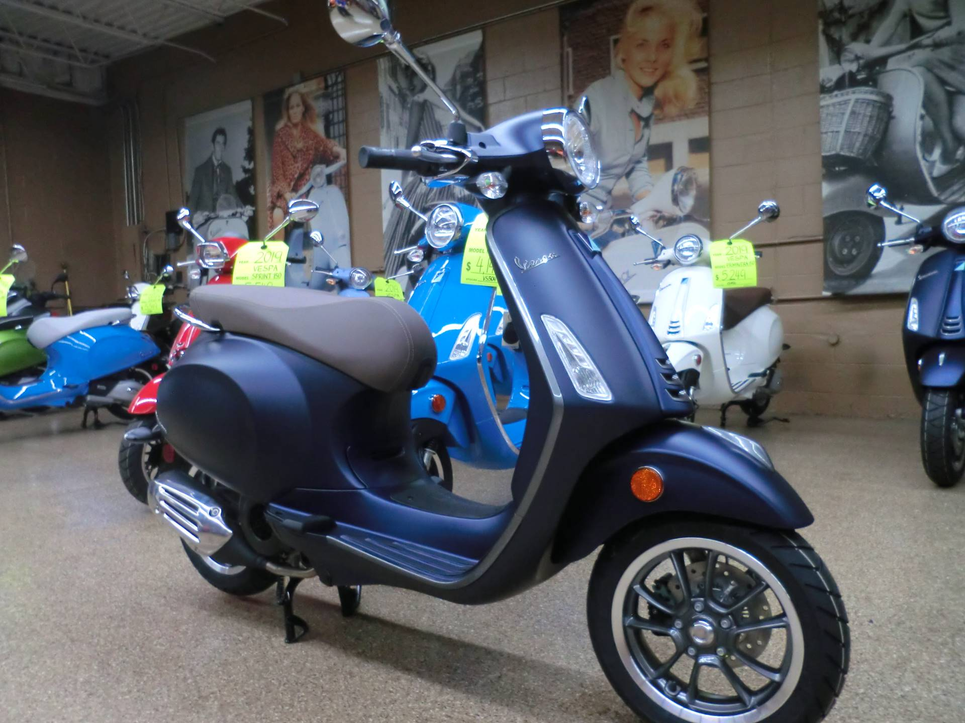 2019 Vespa Primavera S 150 in Downers Grove, Illinois