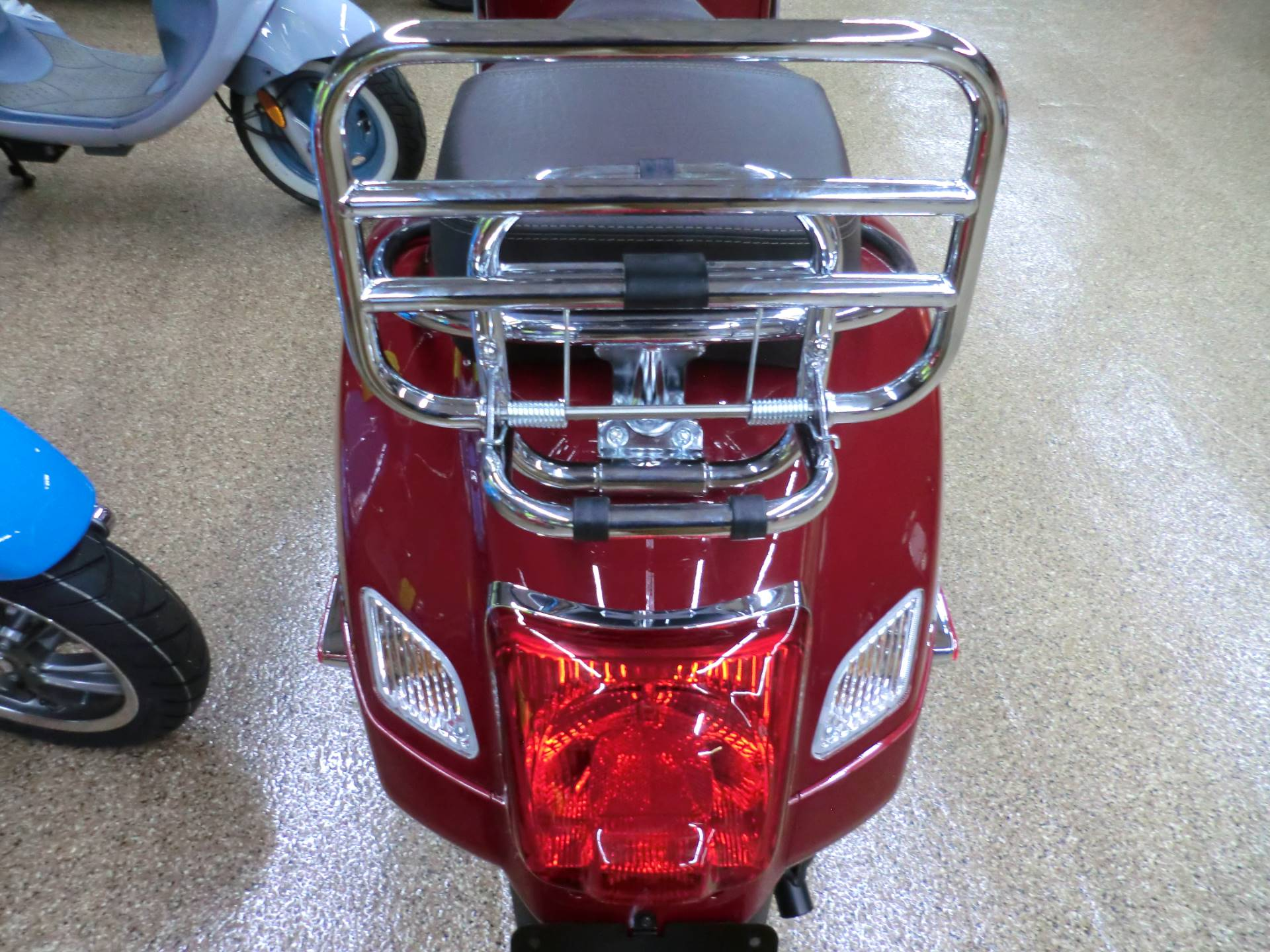 2019 Vespa GTS Touring 300 in Downers Grove, Illinois - Photo 6