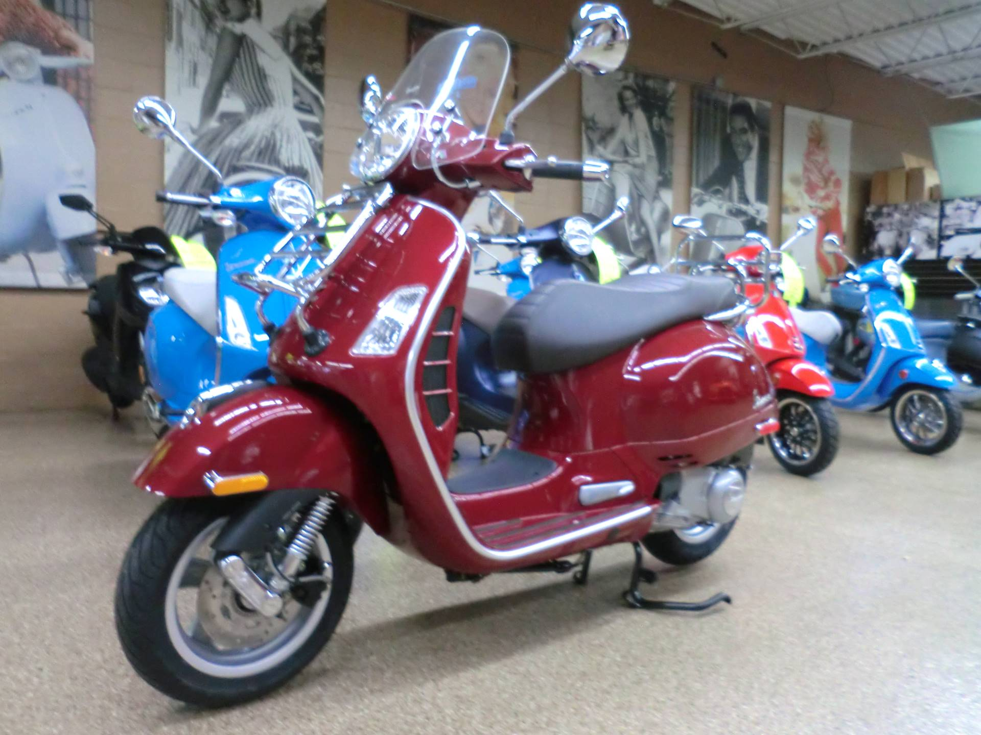 2019 Vespa GTS Touring 300 in Downers Grove, Illinois - Photo 3