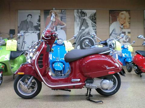 2019 Vespa GTS Touring 300 in Downers Grove, Illinois - Photo 4